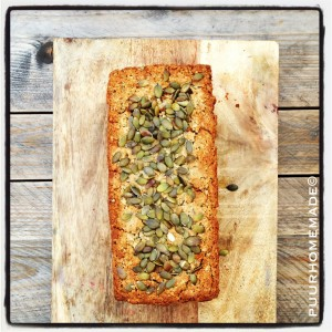 quinoa-boekweit-brood met chiazaadjes, hennepzaad & pompoenpitten