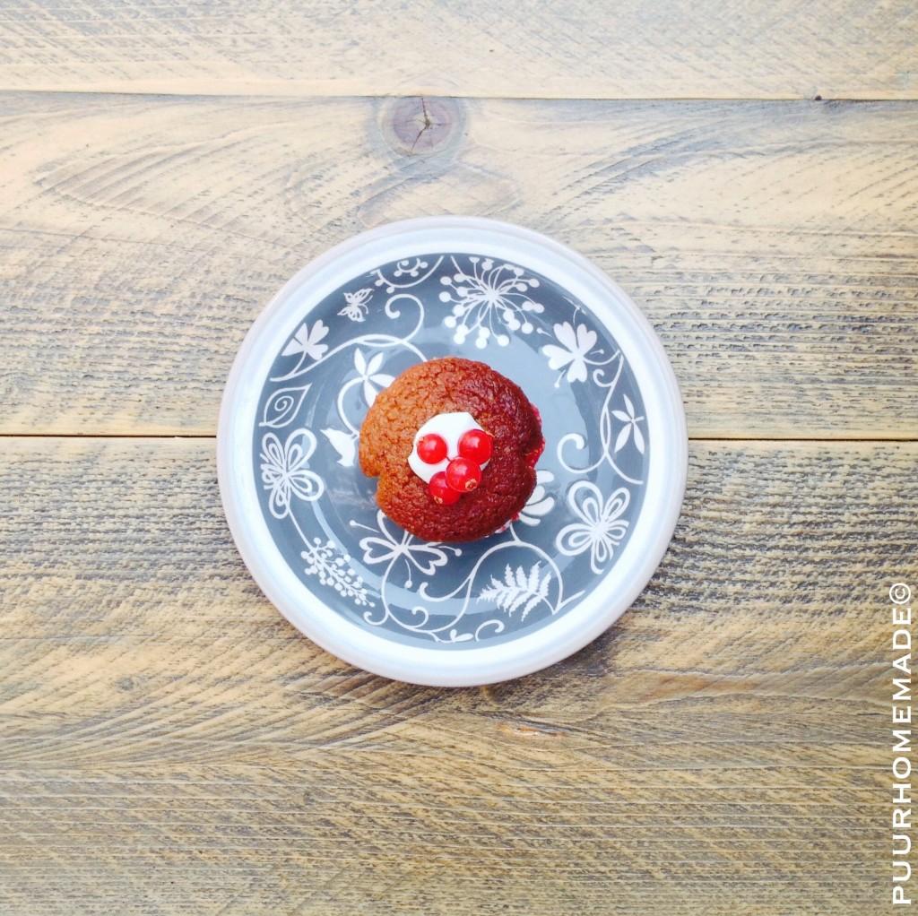 Kaneelmuffin met rode bes 3-aardbeienjam